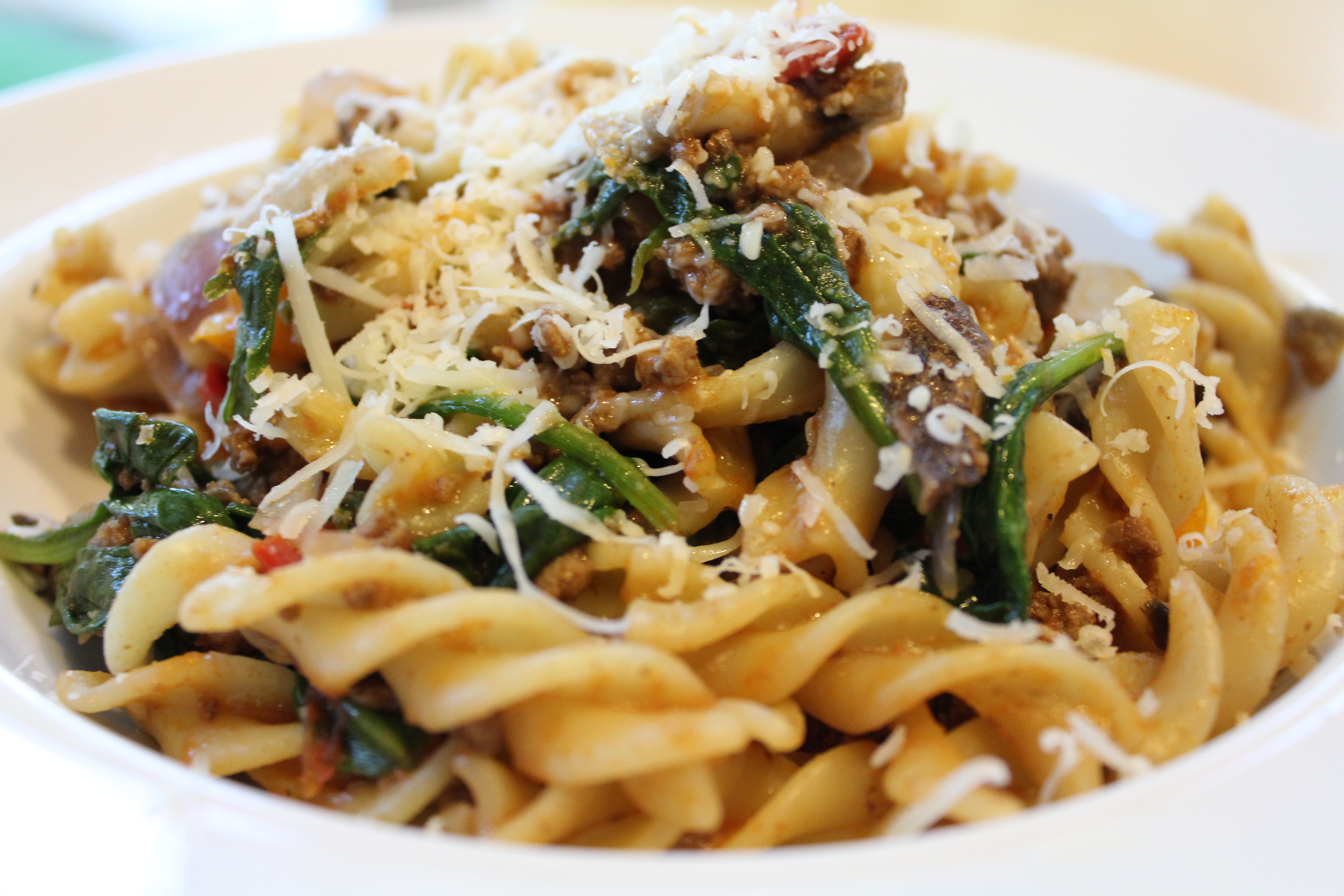 Recipe: pasta with minced meat, with tomatoes and cheese, with mushrooms